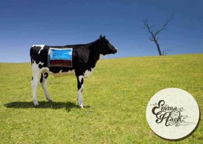 a99083_animal-canvas_6-cows-2