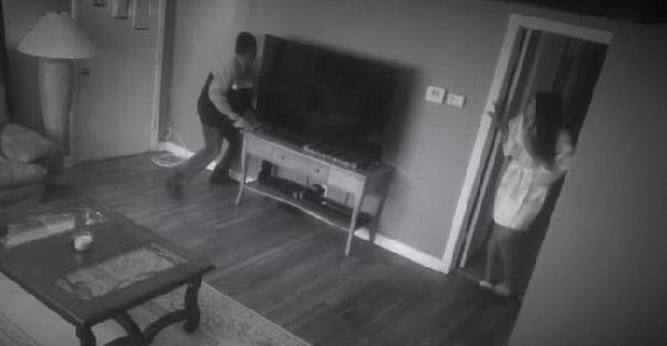 จำลองสถานการณ์ถ้ามีโจรบุกปล้นบ้าน สุนัขพิตบูลจะทำอย่างไรกับพวกเขา